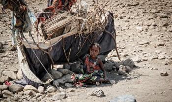 Akut behov av mat och rent vatten