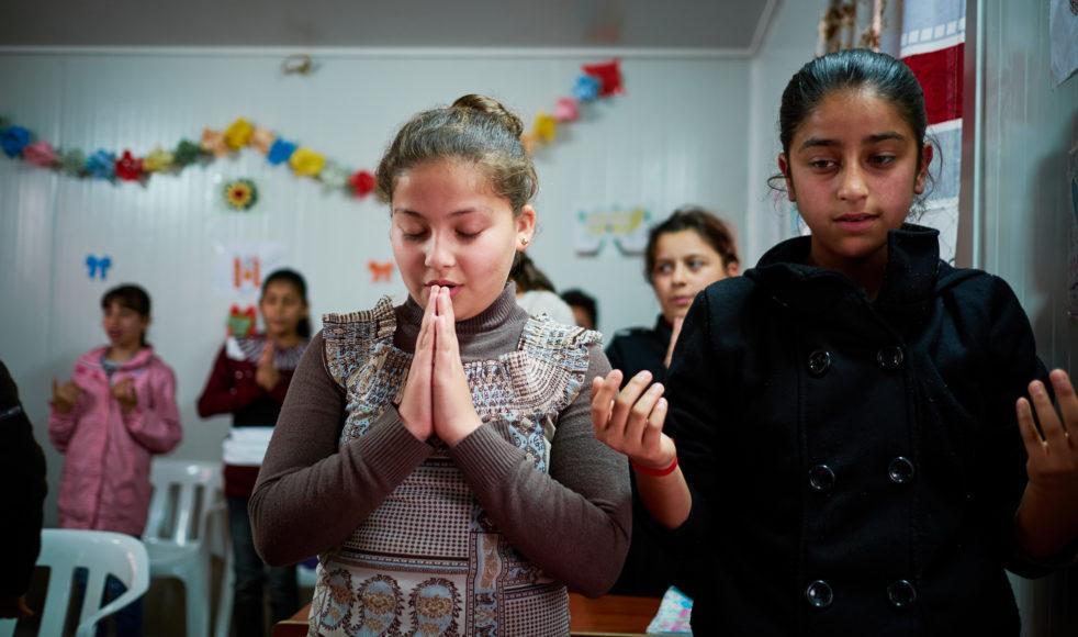 För Maryam (till vänster) och hennes vänner har Child Friendly Space blivit en betydelsefull frizon.