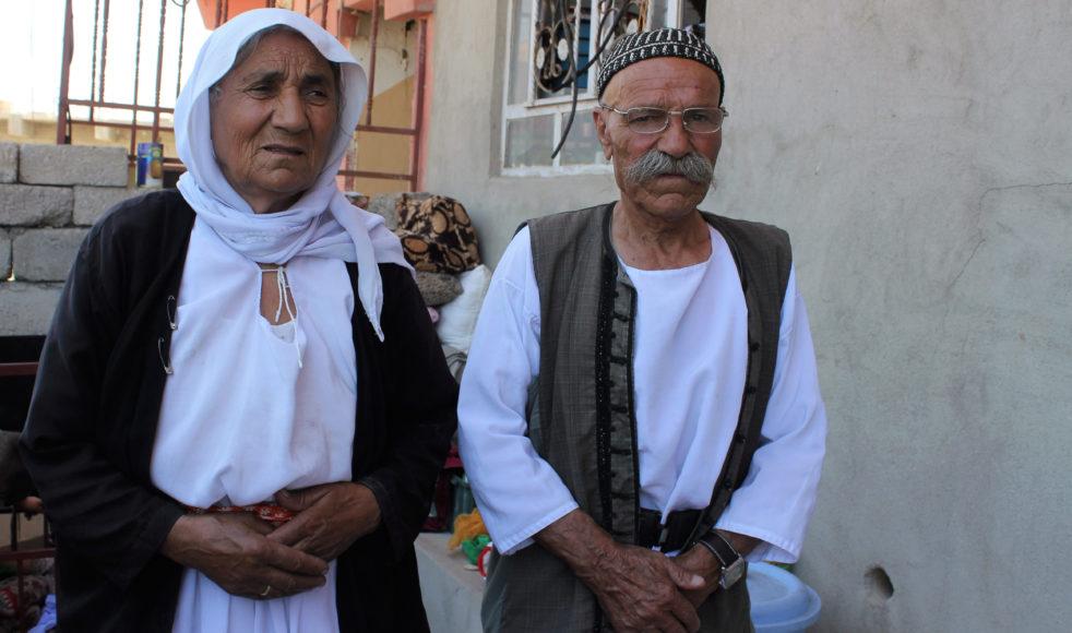70-åriga Bezo Haidar Ali och 80-årige Suleiman Murad Ali är två av cirka 420 yazidier som har återvänt till Sinjar City sedan staden återerövrades från IS i november.