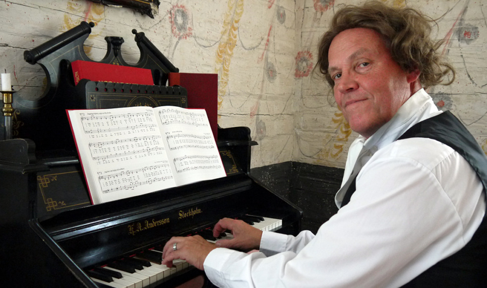 Hans Liljemark har rollen som Carl Olof Rosenius i berättarteatern.