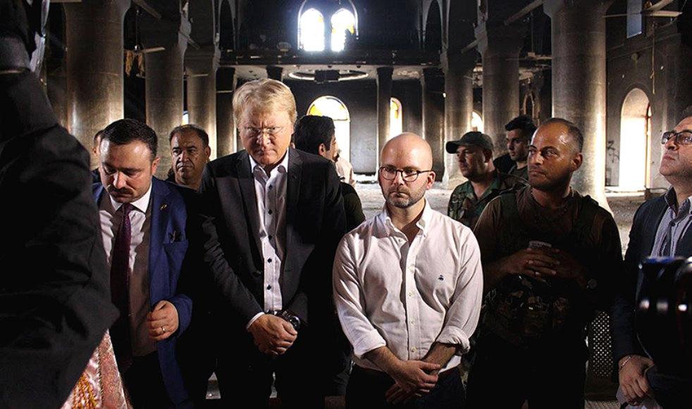 Efter mer än två år av IS-ockupation fick ärkebiskopen återvända till sin kyrka, Mellanösterns största, för att förrätta söndagsmässa. Lars Adaktusson närvarade vid den historiska händelsen.