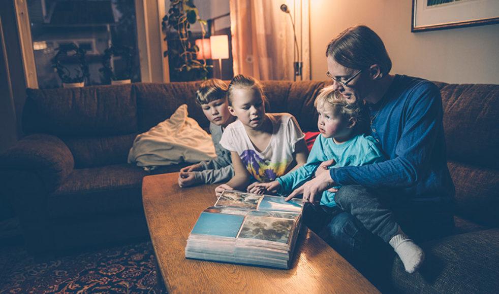 Hemma i Storvreta, Uppsala, bor Olof tillsammans med Mona och deras tre barn, från vänster Johannes, Rebecka och Simon.