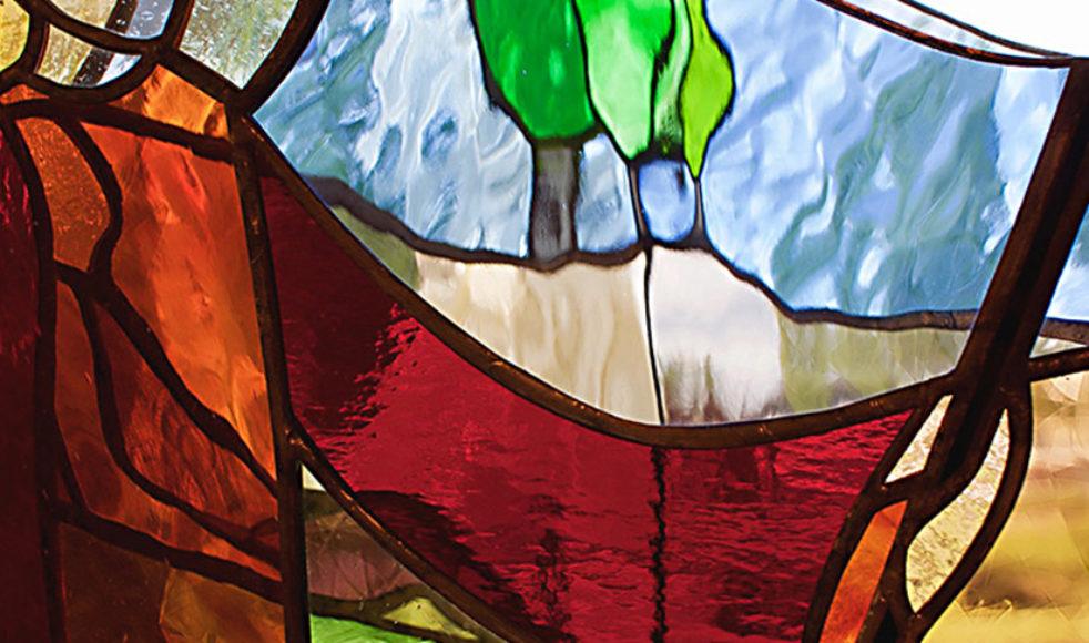 De inledande orden från Davids Herdepsalm är utgångspunkten för denna glasskulptur som en kund önskade. Bilden är en detalj från skulpturen som visar Herden och den vilande människan på ett härligt sätt tycker Annacarin.