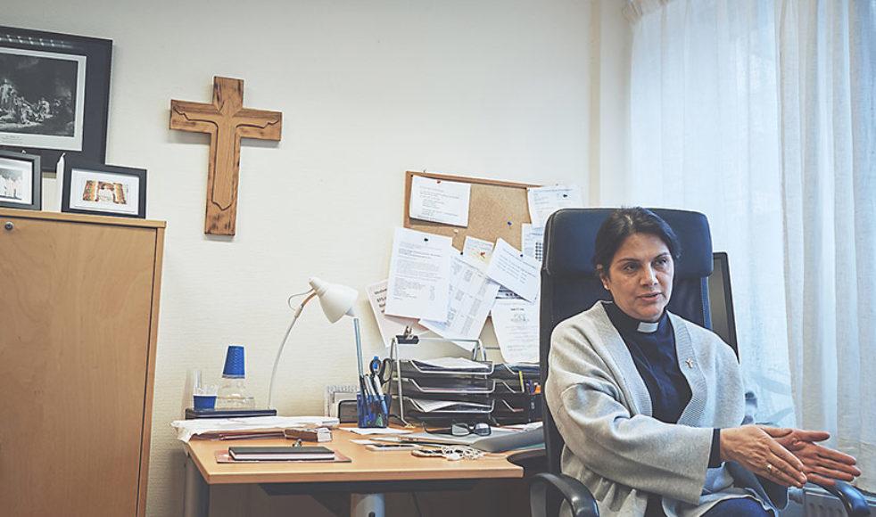 Annahita blev präst som 48-åring, efter studier på Johannelund. Hennes livsberättelse har bland annat skildrats i SVT-programmet »När livet vänder«.