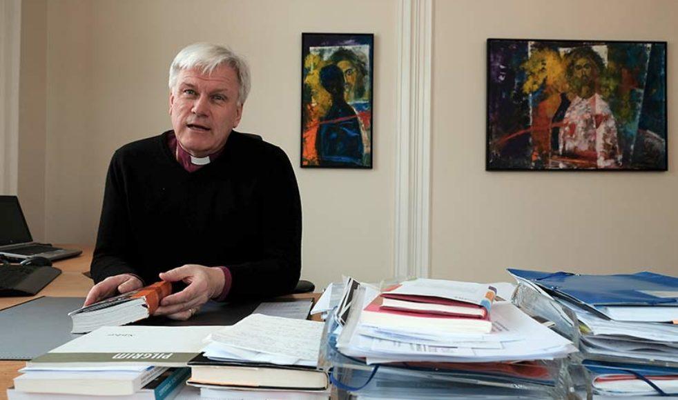Hur talar vi med varandra om kristen tro? är en av de frågor biskop Hans Stiglund ofta ställer sig.