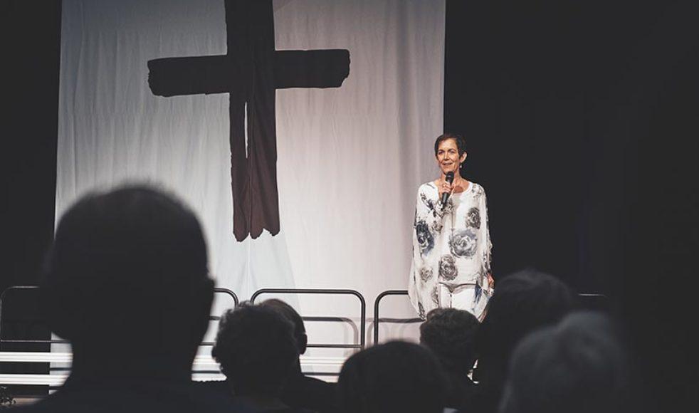 »Den korsfäste utrustar« var temat  för Kerstins predikan.