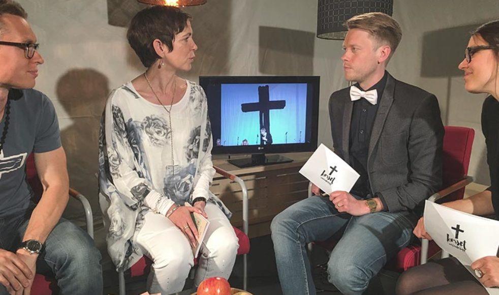 Vill du veta mer om Kerstins dag? På efsplay.nu finns Kerstins samtal med bland andra studiovärd Joel Apelthun att ta del av i efterhand.