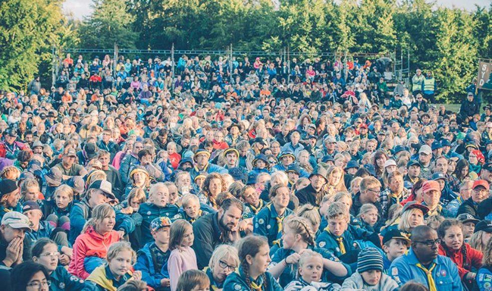 Familjen Jakobsson har öppnat upp sina ägor för över tusen scoutentusiaster. Detta är andra gången de står värdar för Salt och EFS stora scoutläger Patrullriks.