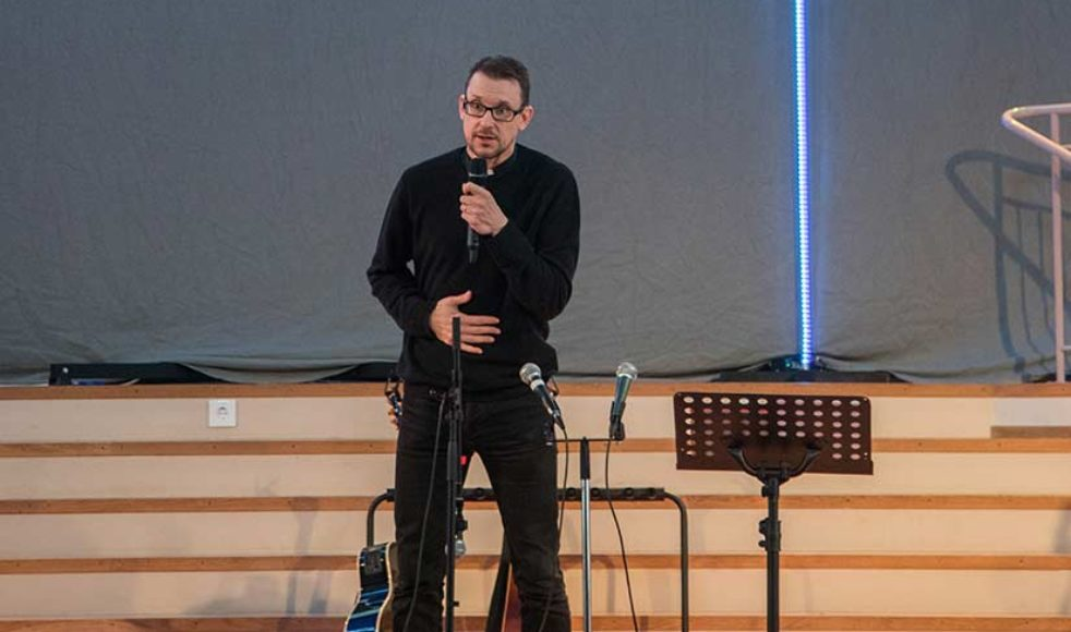 Tillsammans med Sebastian Stakset var prästen och Oasrörelsens inspiratör Hans Weichbrodt huvudtalare.