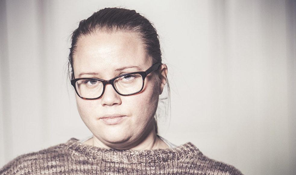SOFIA LILLY JÖNSSON – Ålder: 41 år. Bor: I Visby. Yrke: Kulturskribent. Aktuell: Med hemsidan sofialillyjonsson.com