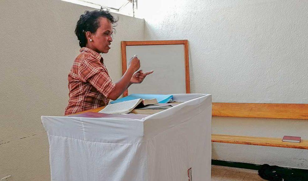 Predikan på teckenspråk.
