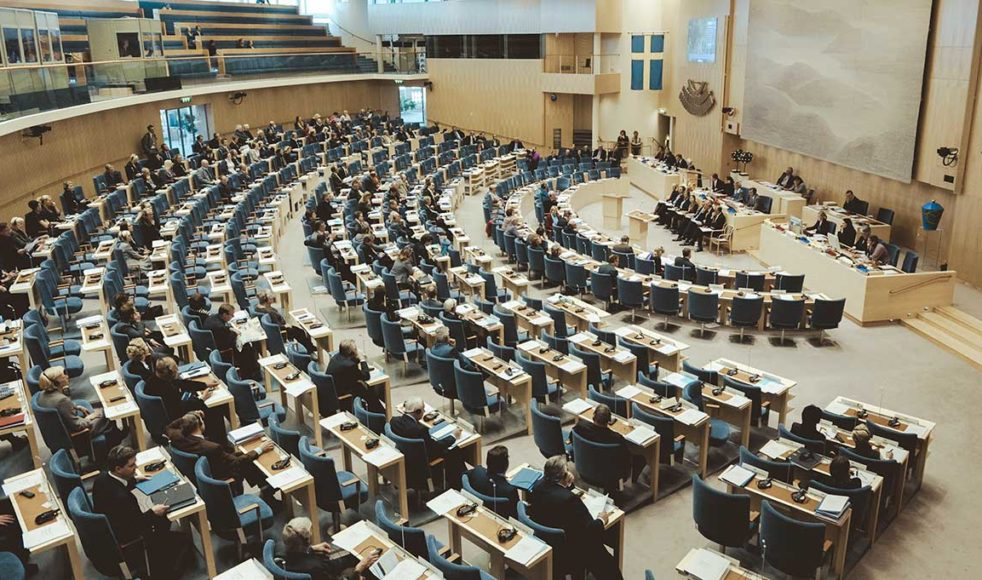 Plenisalen i Sveriges riksdagshus. Platsen där makten står i centrum och våra levnadsvillkor avgörs.