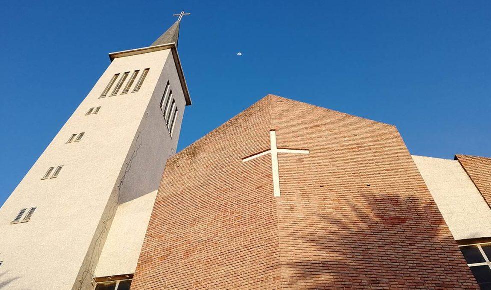 Det finns planer på att bygga ut kyrkan som med tillväxten blivit alldeles för liten.