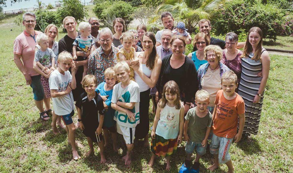 EFS missionärer med familjer samt personal från Sverige.