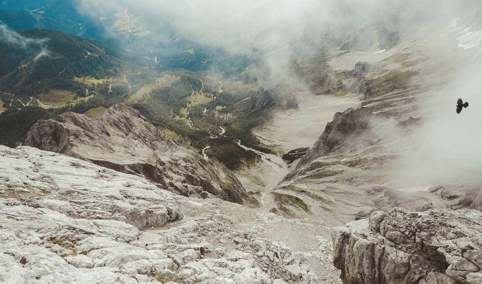 Dachteinglaciären är en av de många dramatiska utsikter som kantar pilgrimsleden.