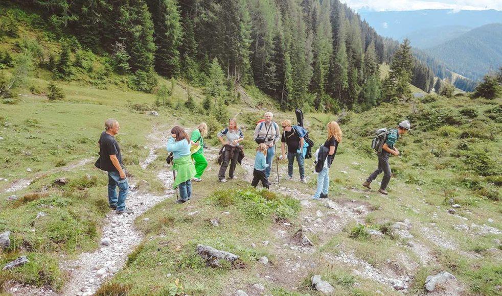 En 50 mil lång vandringsled uppdelade i 29 dagsetapper vittnar om svunna tiders hängivna bibelengagemang.