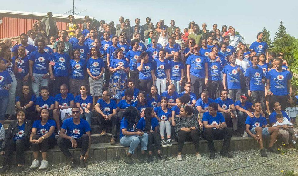Deltagare och medverkande i ungdomskonferensen samt gudstjänstdeltagare från Betlehemskyrkans eritreanska verksamhet.