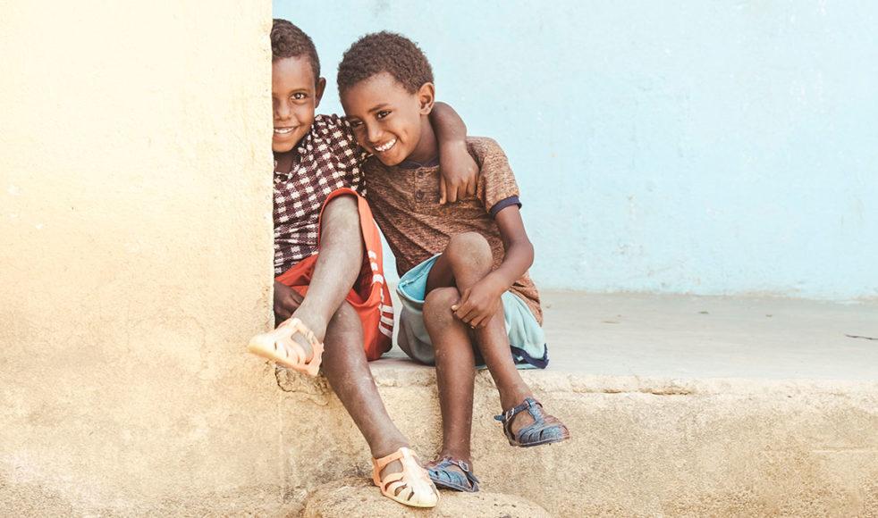 I år är »Se Be Ge«-insamlingen till förmån för utsatta barn i världen. Programmet sänds på efsplay.nu den 29 september kl. 19:00.