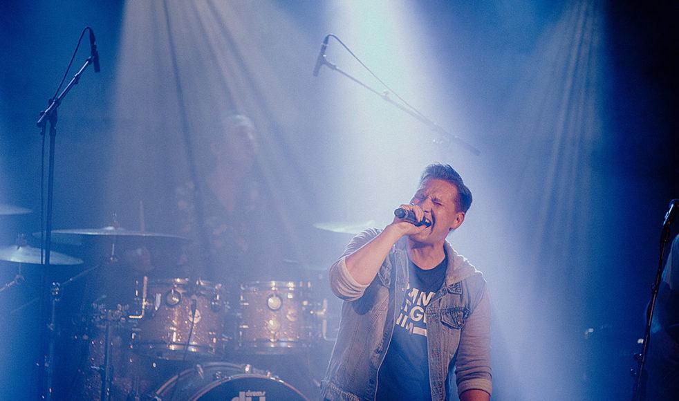 En konsert med Samuel Ljungblahd var ett av många inslag under det lyckade midsommarfirandet Ekhagen live.