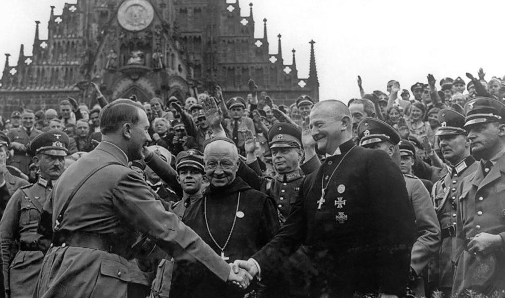 Under Hitlertiden svor flera kyrkoledare trohet till naziregimen.