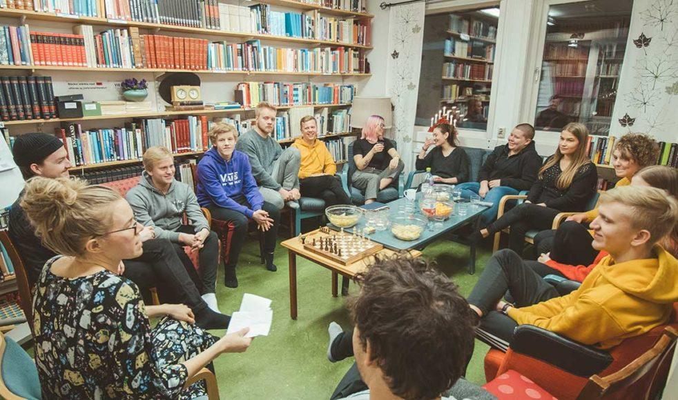 Snack och snacks var ett nytt seminarium för i år, för de som ville prata om livet med Gud, relationer eller annat som kom upp. Bilder: David Westerlund