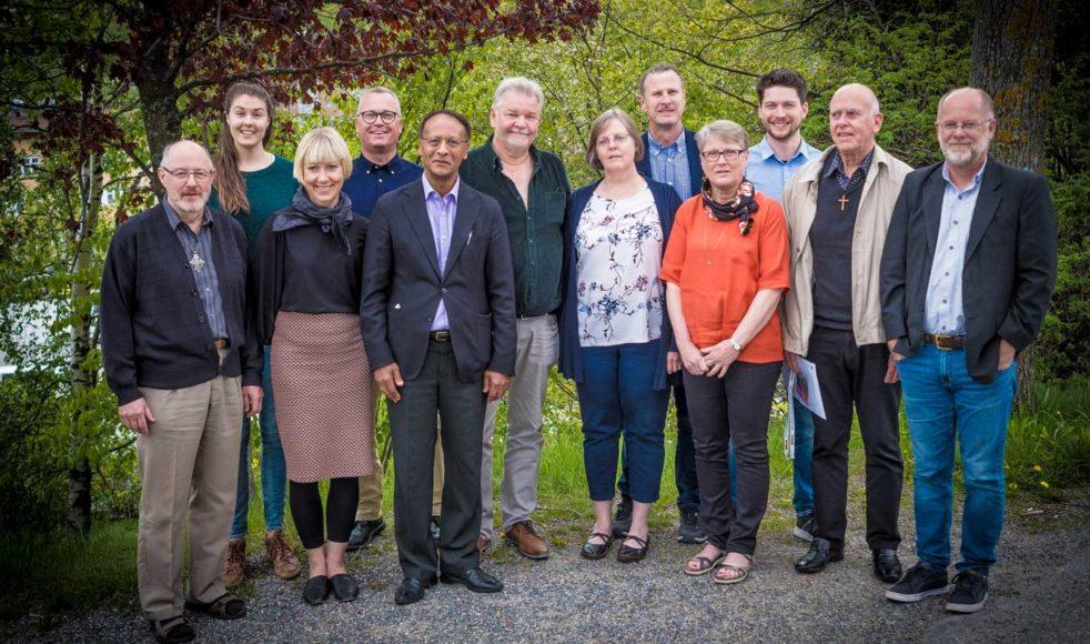 EFS nya styrelse. Fr. v.: LarsOlov Eriksson, Marie Larsson, Elin Lycklund-Ljunggren, Roger Wikström, Eyassu Tesfay, Per Moen, Maria Andersson, Jan Hellqvist, Lillemor Persson, Oliver Sjöström, Börje Lund och Tomas Andersson.