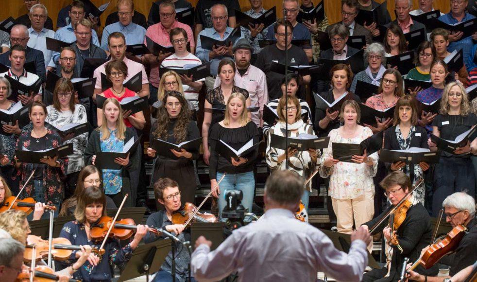 Till Troendegruppens återträff samlades hela 220 före detta körmedlemmar. Träffen avslutades med en fullsatt konsert (550 personer) i Studio Acusticum, Piteå.