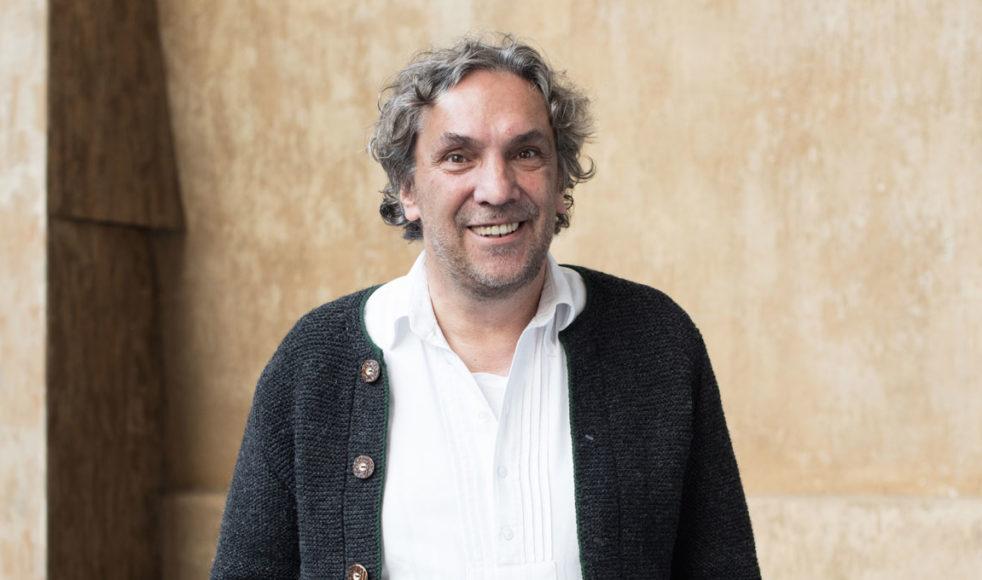 Regissören Christian Stückl vill att Jesu budskap ska bli ännu tydligare i årets upplaga av Passionsspelen.