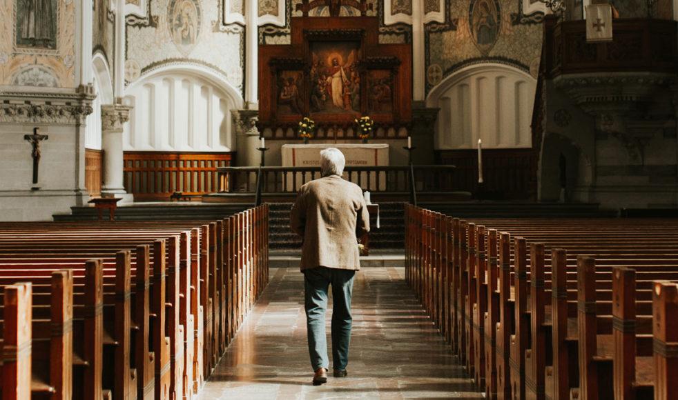 – I hela kristenheten och inte minst i den evangeliska rörelsen spelar sånger och psalmer en avgörande roll. Vi sjunger in evangelium i människors hjärtan, säger Aurelius.
