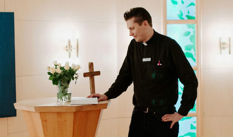 – Vi försöker så gott vi kan att upprätthålla kyrkans arbete och vara Jesu händer och fötter på sjukhuset, säger Mikael Ögren.