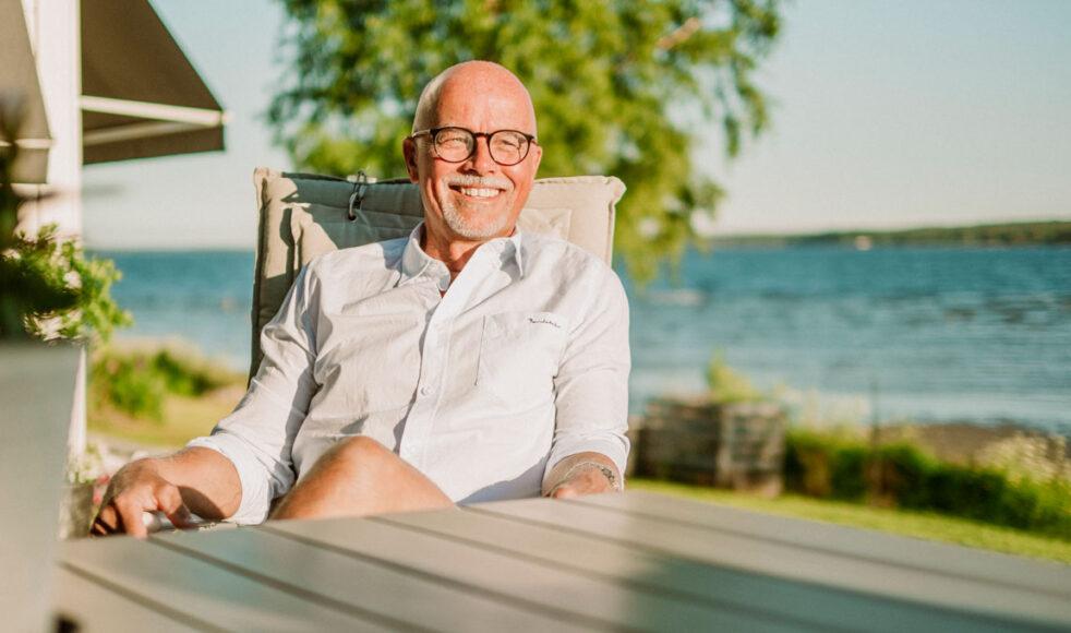 Mats Lindberg hemma på altanen utanför Skellefteå. Bilder: Jakob Arvidsson