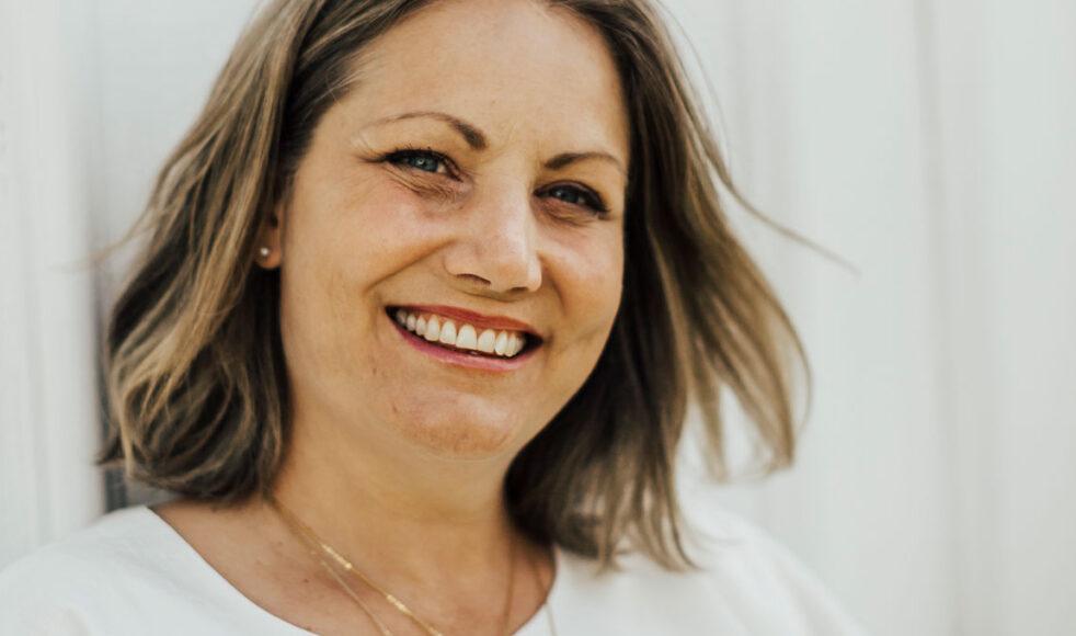 Caroline Johansson startade smyckeföretag efter att ha fått flera tilltal från Gud. Bild Katarina Johnson