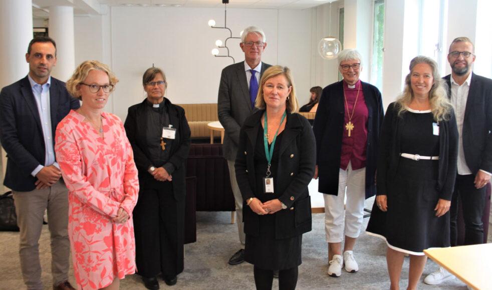 Representanter från landets kyrkor hade ett givande samtal med Folkhälsomyndighetens generaldirektör Johan Carlson. Bild: Mikael Stjernberg