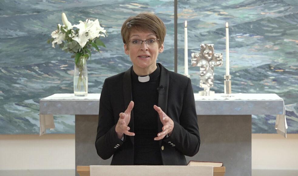 Sara Nilsson Edström ser fram emot konferensen Mission i Sverige. – Vi behöver återupptäcka »Den stora berättelsen«, säger hon. Här från en gudstjänst i Sävja kyrka i Uppsala.