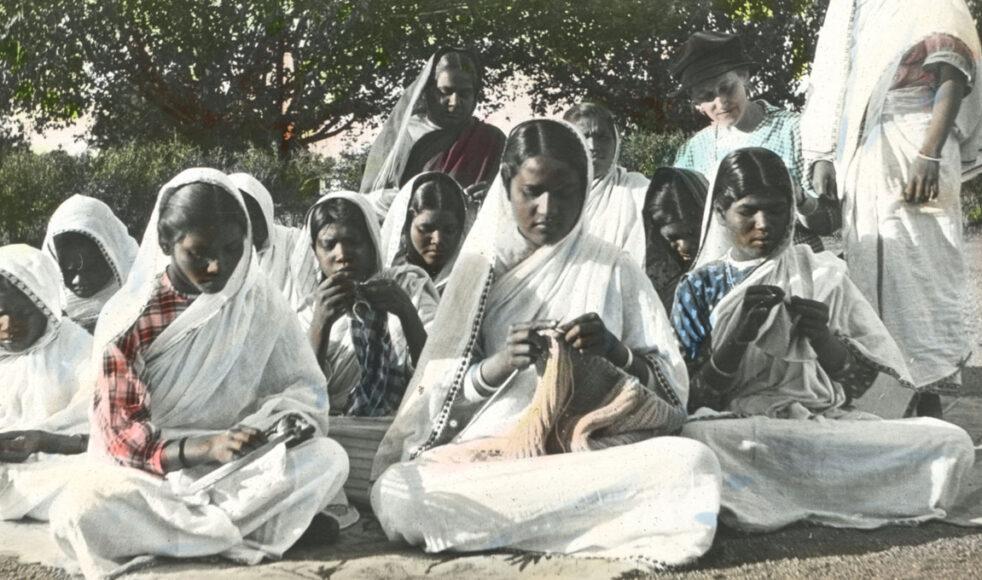 En syklass på flickhemmet i Chhindwara.