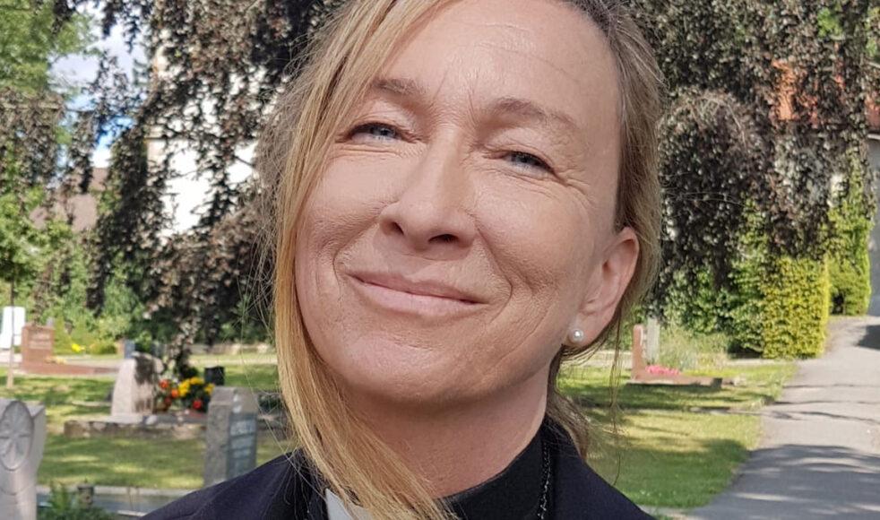 – Man reflekterar kanske inte så mycket över det själv, men bön har makt, säger Karolin Baesch präst i Jakobsgården i Borlänge.