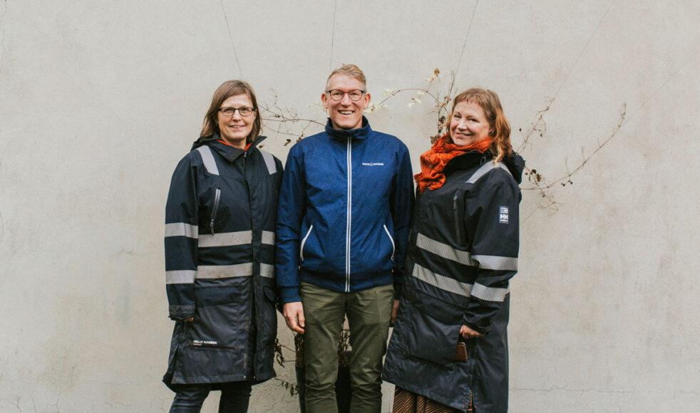 Tillsammans driver Karin Hugert, Peder Wendefors och Gabriella Åberg kursen Odlarglädje och Skapelsekärlek på Heljsön folkhögskola.