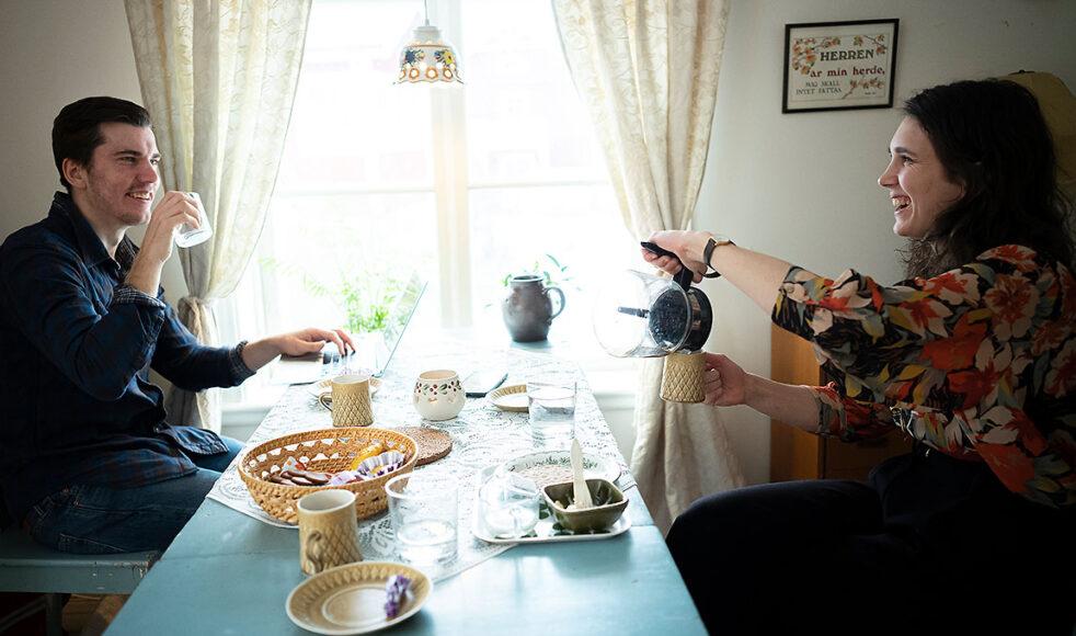 Intervjun genomfördes på övervåningen i det mysiga gårdshuset utanför Uppsala.