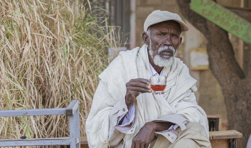 Hailey Kidanu är en av tusentals människor som har flytt från staden  Humera i västra Tigray. Idag bor han i ett av Mekelles mest utsatta internflyktingläger där DASSC möter de akuta behoven.