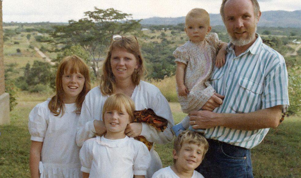 Rune med hela familjen i Tanzania. »Präst och sjuksköterska, en klassisk missionärskombination, blev för oss ett vinnande koncept.«