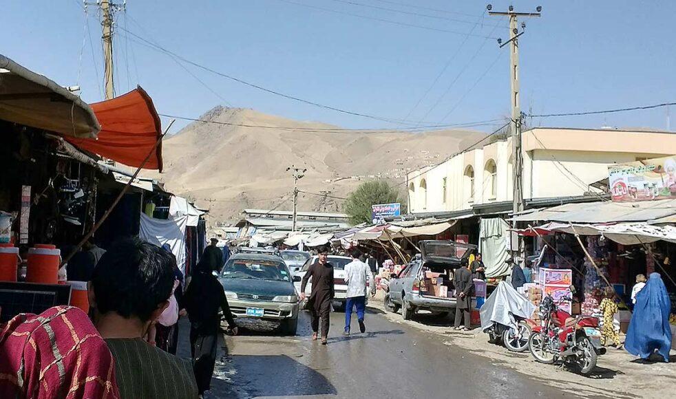 De underjordiska kristna i Afghanistan fruktar för sina liv.  – Vi som kristenhet behöver kliva fram och kroka arm med våra trossyskon – framförallt i bön, säger Open Doors generalsekreterare Peter Paulsson. Bild: Open Doors