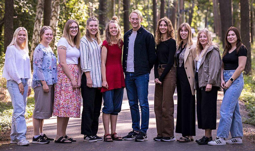Bakre raden från vänster: Amanda Alfredsson, Maja Johanson, Elisabeth Wagersten, David Lundin, Mika Almroth, Alma Åkesson. Främre raden från vänster: Veronika Axelsson, Julia Johansson, Wilma Hvirfvel, Louise Lindfors.