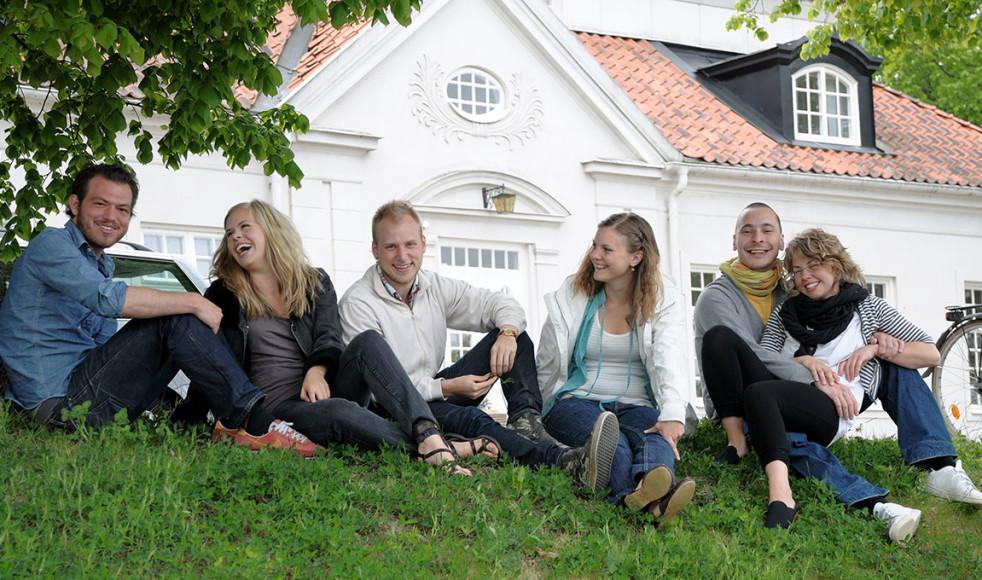 Liljeholmens folkhögskola och herrgård.