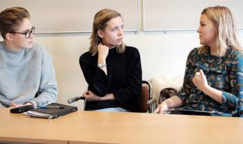 Ledare och kvinna – ett samtal om att inte alltid passa in