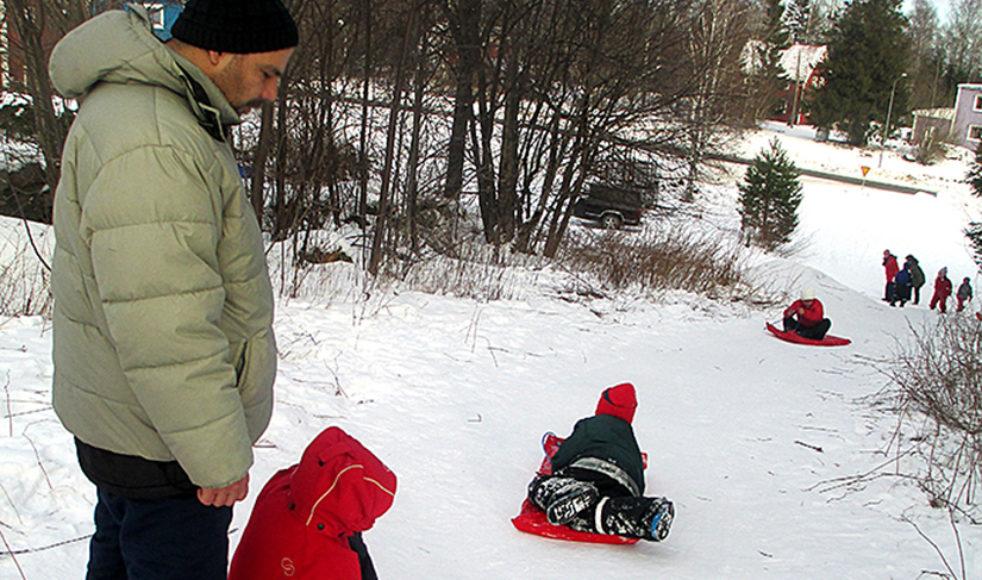 När EFS i Levar fick höra att många av de nyanlända var rädda för snö samlades de för att tillsammans övervinna snörädslan.