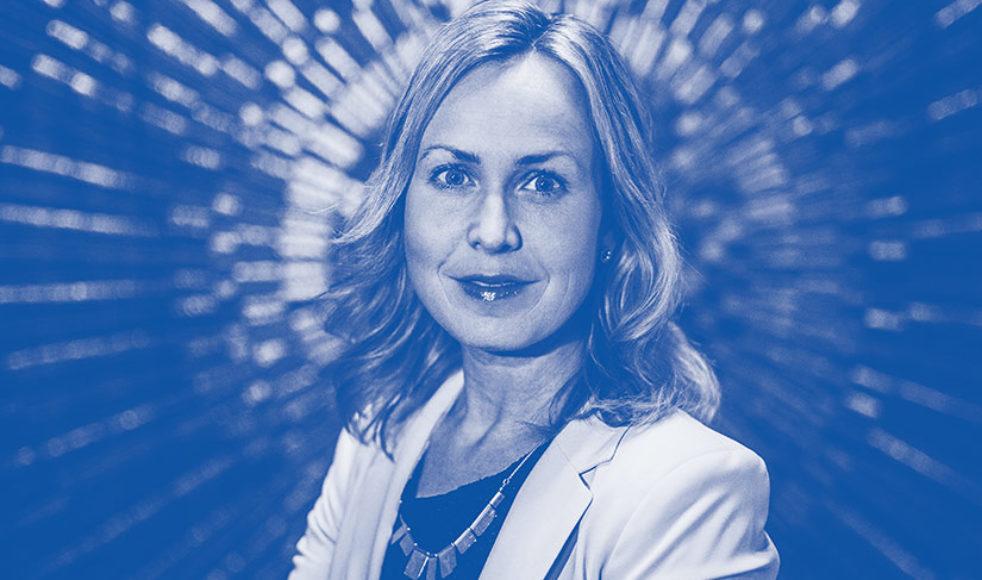 Trots den bild Ruth Nordström möter av sig själv i media väljer hon att se sin främsta identitet i att vara mamma, maka, syster och vän.