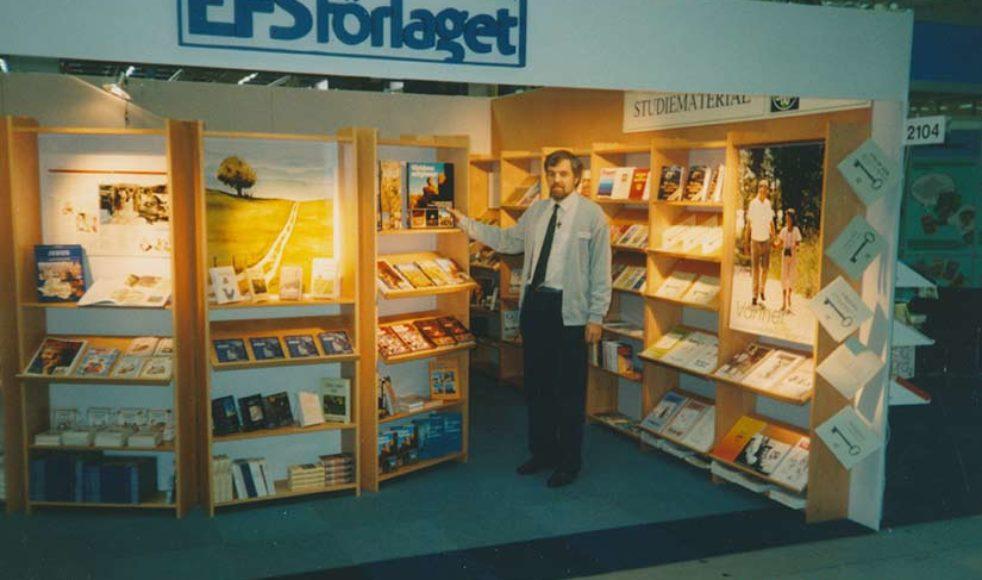 EFS entusiasm för böcker har alltid varit stor. Förlaget blomstrade i början, med försäljningsrekord år 1987, men såldes till Verbum 1992. På bokmässan 1989 var Hans Lindholm, Uppsala: »Som gammal förlagschef är det mig en stor glädje att EFS nu återupptar sin bokutgivning – det bästa reformationsjubileum jag kan tänka mig.«