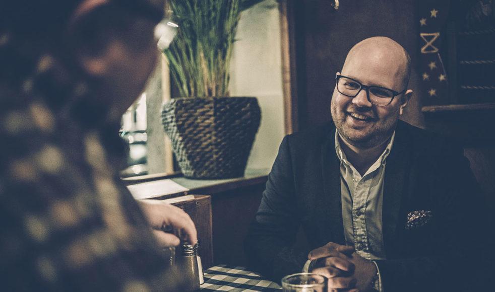 Tobias Sturesson hjälper till vardags allt från företag till kyrkosamfund och församlingar med organisations- och strategiarbete.