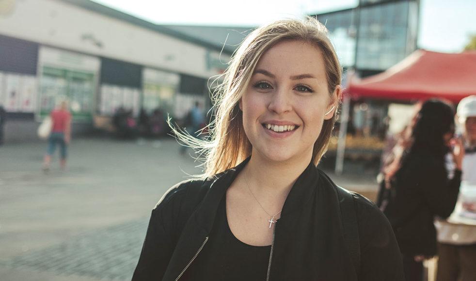 Caroline Hultmar var inställd på ett missionärsliv i Afrika men hamnade i stället i Tensta utanför Stockholm. – Gud har verkligen visat vägen för mig, säger hon.