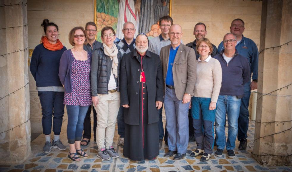 EFS ledningsgrupp tillsammans med ärkebiskop Mor Timothius Mousa Alshamany.